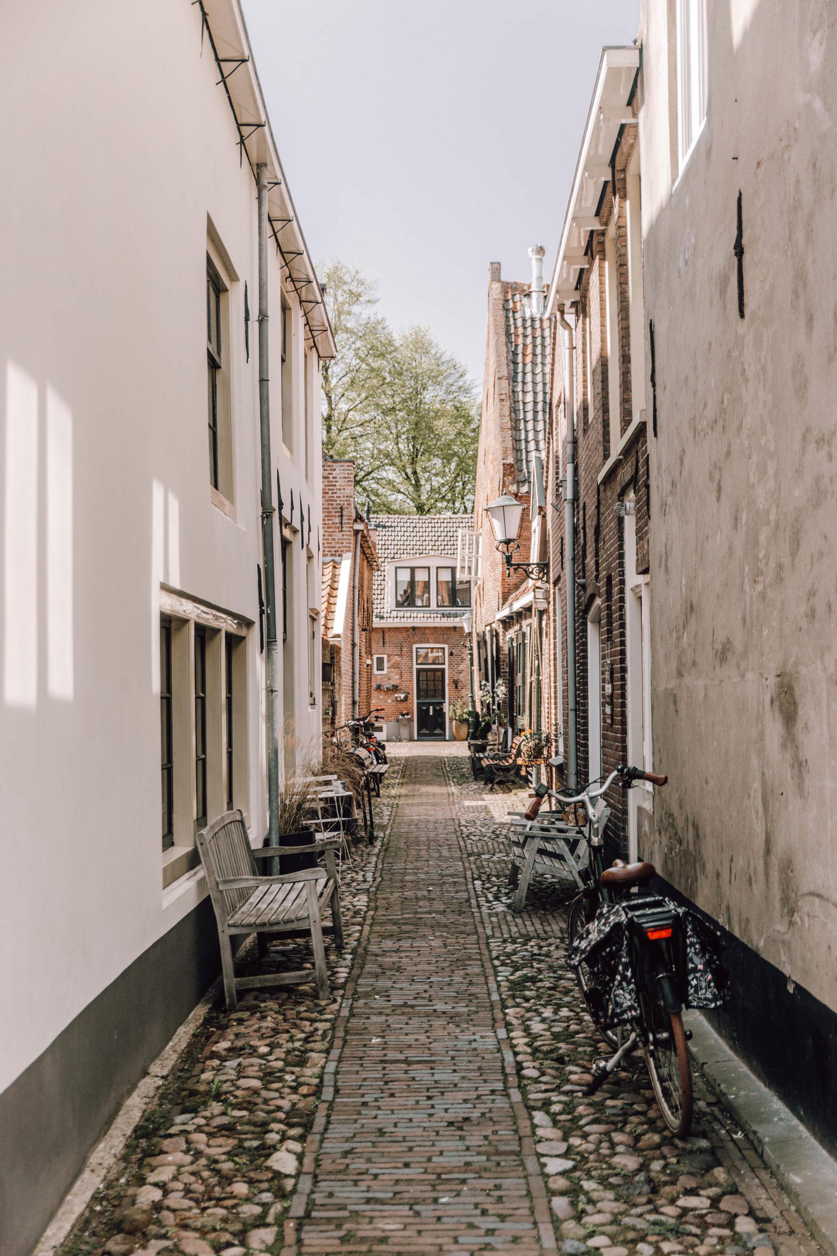 Smalle steegjes van Elburg | Vestingstad Elburg | Activiteiten Veluwe | Hidden gem Veluwe